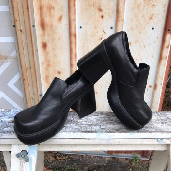 b8a64e2e73bd4 VTG Y2k Chunky Platform Leather Mule Heels